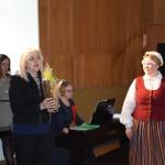 Zemītes ļaudis sveic Kandavas novada domes priekšsēdētāja Inga Priede