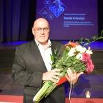 """Apbalvojums """"Kandavas novada Gada uzņēmējs"""" Guntim Krūmiņam par nozīmīgu ieguldījumu uzņēmējdarbībā, veicinot novada atpazīstamību Latvijā un aiz tās robežām"""