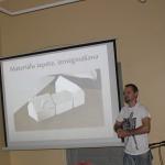Jurģis Muska prezentē Kandavas vecpilsētas maketa tapšanu. Foto: Dagnija Gudriķe.