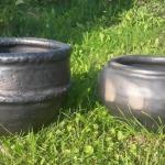Šos un citus lielus puķu podus, vāzes iespējams iegādāties Rīgā veikalā Pienene.#pottery #ceramic #woodfired #travel #workshop#art #keramika
