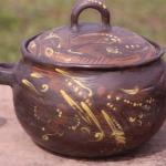 tERĪNE. pODS. sAUTĒJAMAIS TRAUKS.Svēpētā keramika, slāpētā keramika, melnā keramika, roku darbs, hand made, craftman, ceramica, food fired, Latvia, Kandavas keramikas ceplis